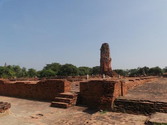 Wat Lokayasutha Ruins