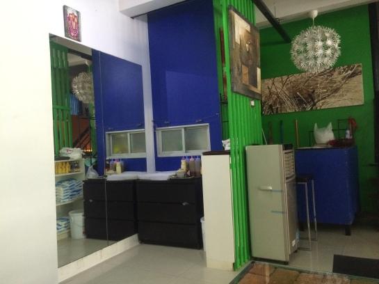 YOLO cafe